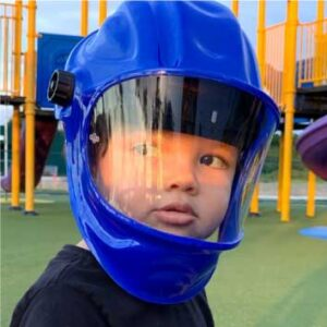 Escudo-facial-de-proteccion-Abatible-tipo-casco-en-Acrílico-para-niños-Paola-Ruiz.jpg